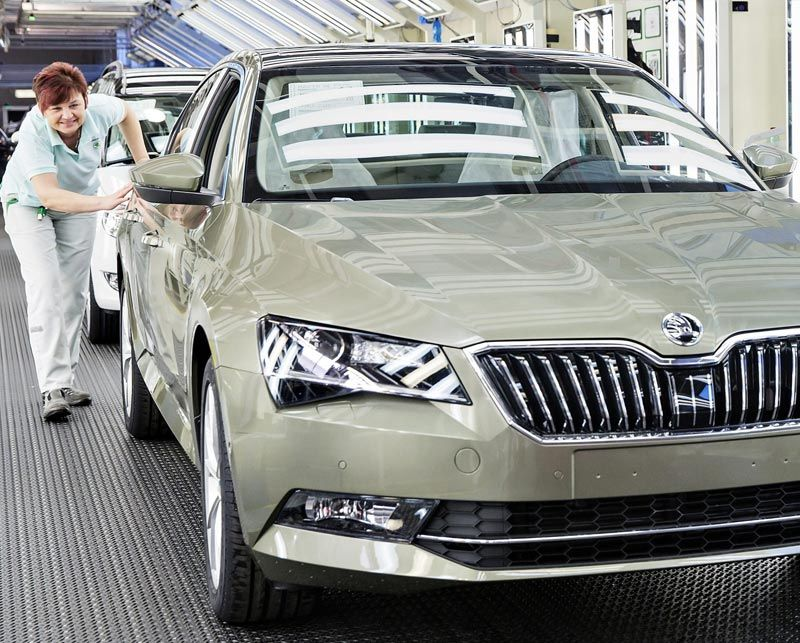 Škoda produces 500,000th third-generation Superb