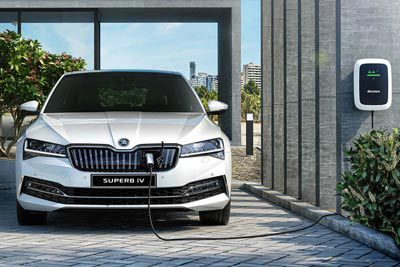 Skoda Superb Iv Plug In Hybrid - Refreshing Change