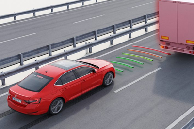 Skoda Superb - Front Assist